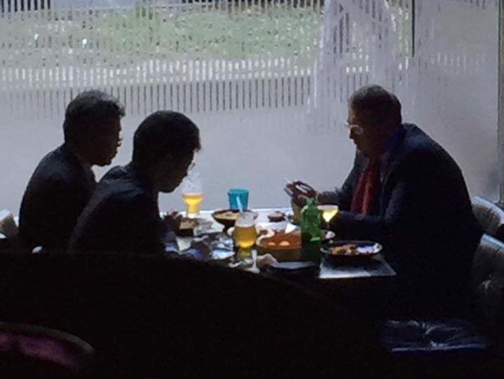 видео знакомств в ресторане