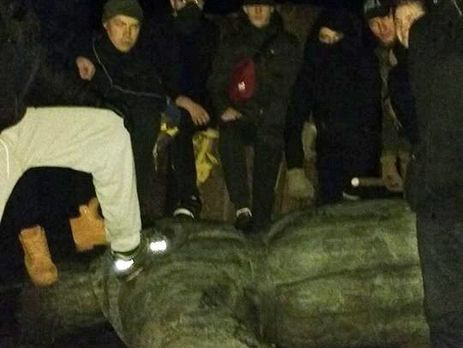 ВЧерниговской области националисты повалили монумент генералу НКВД