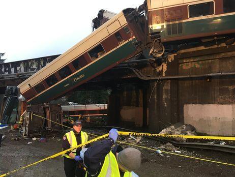В США потерпел крушение пассажирский поезд
