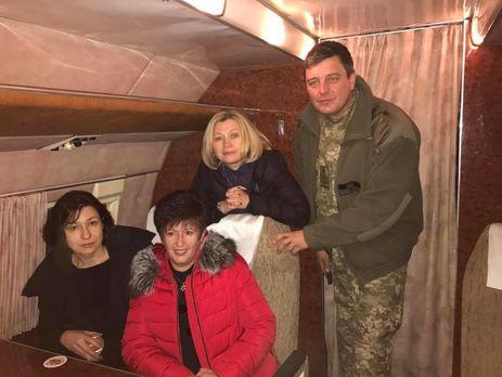 Заполоненими українцями вже вилетіли наДонбас