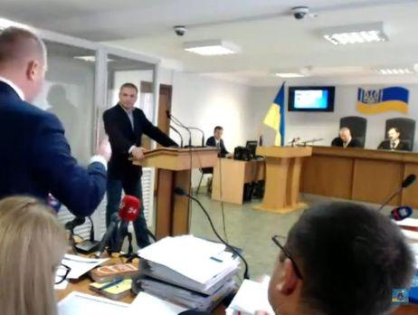 Юриста Януковича строго поставили наместо всуде