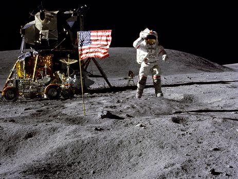 Скончался американский астронавт Янг, два раза летавший наЛуну