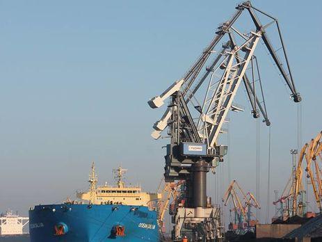 В Украинское государство прибыло первое втекущем году судно сафриканским углем