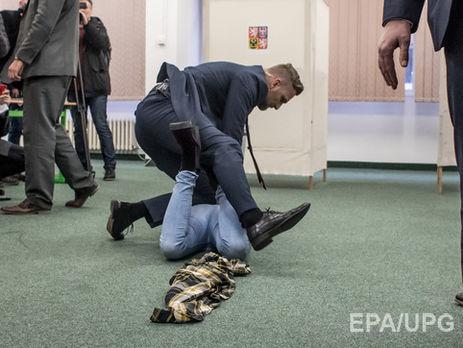 Напавшую на президента Чехии активистку Femen задержали на 48 часов