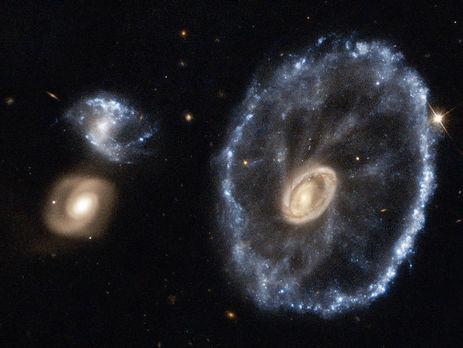 Колесо воза утворилося внаслідок зіткнення двох галактик