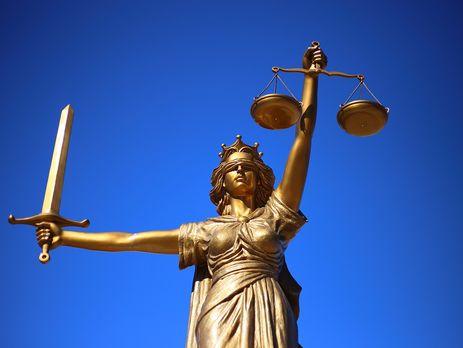 Никаких посягательств на суверенитет или Конституцию в поправках к законопроекту об антикоррупционном суде нет, отметил Харитонов