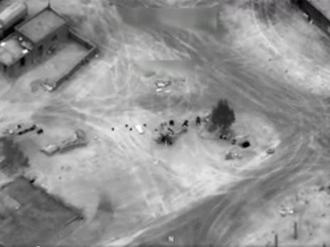 CNN показал авиаудар сил международной коалиции по российским наемникам в Сирии. Видео