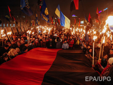 У Львові будуть вивішувати лише державний прапор України в пам'ятні дати, але рекомедовали використовувати і червоно-чорний