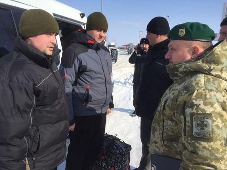 Сегодня двух украинских пограничников обменяли на их российских коллег