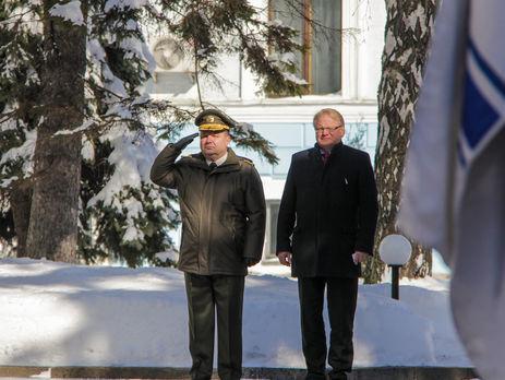 Полторак: Україна і Швеція підготують договір щодо співпраці воборонній сфері