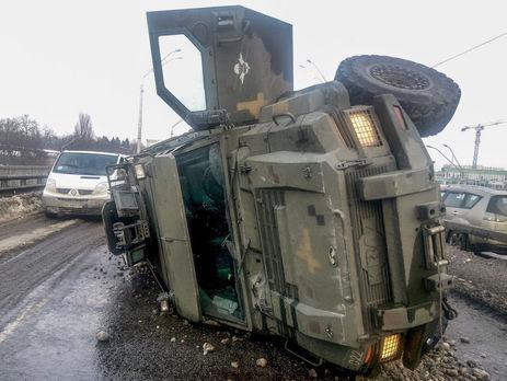 У зв'язку з аварією військового авто перекриють міст