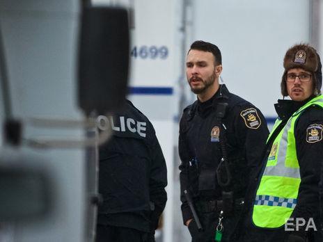 Вцентре Торонто группа молодых людей нанесла ножевые ранения двум прохожим