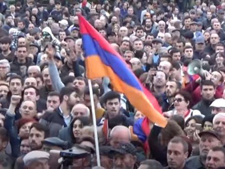 Лідер протестів у Вірменії оголосив про початок оксамитової революції у країні