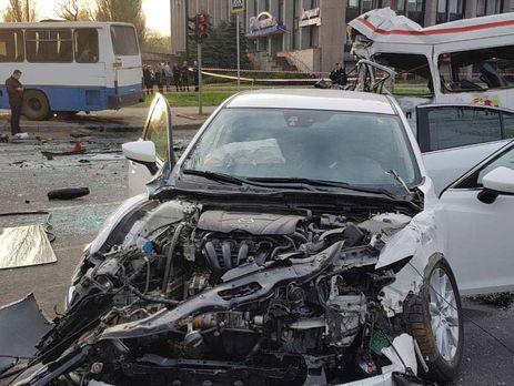ДТП у Кривому Розі. Водій Mazda збільшив швидкість, тому що його син запізнювався на автовокзал