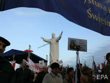 В польской епархии считают, что антенны на верхушке статуи могут ранить чувства верующих
