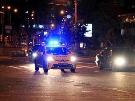 Патрульный полицейский задержал напавшего на его напарницу мужчину, ранив его в ногу