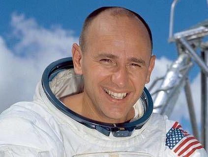 Скончался астронавт Алан Бин, который 4-м побывал наЛуне