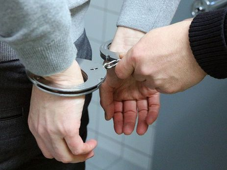 Правоохоронці вирішують питання про оголошення затриманому підозри та обрання для нього запобіжного заходу