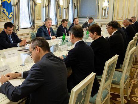 Порошенко назвав ключове питання назустрічі зпослами G7 та ЄС