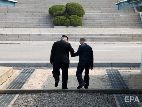 О встречах разъединенных семей лидеры двух Корей говорили в апреле этого года