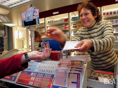 Австралиец пожертвовал часть выигранных в лотерею денег