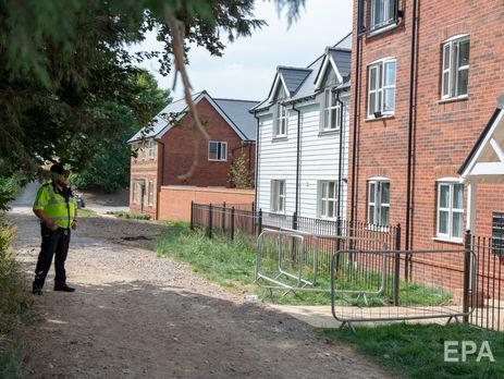 Власти Великобритании попросили держаться подальше отгроба Дон Стерджес