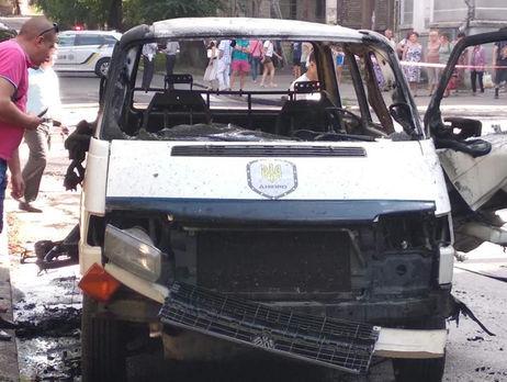 Микроавтобус сукраинским депутатом взорвался вгороде Каменское