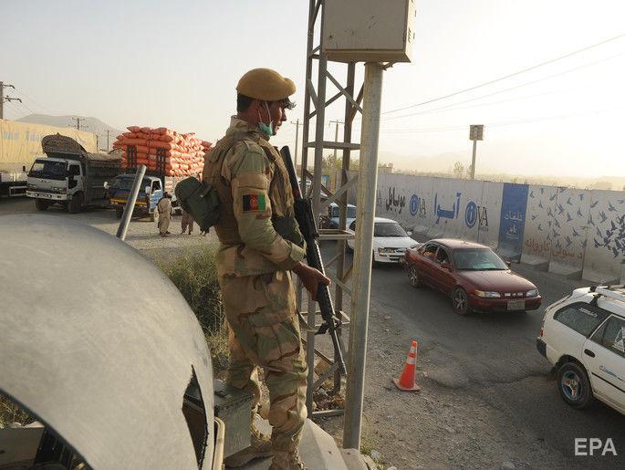 782c9c80ca7216 В Афганистане в результате нападения талибов на военную базу погибли 45  человек (4.18/15)