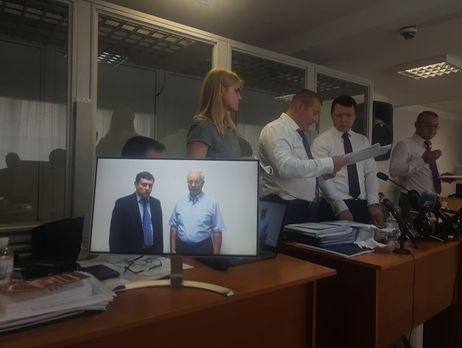 Адвокаты Януковича попытались обеспечить выступление Азарова в Оболонском райсуде, суд попросил их не нарушать порядок