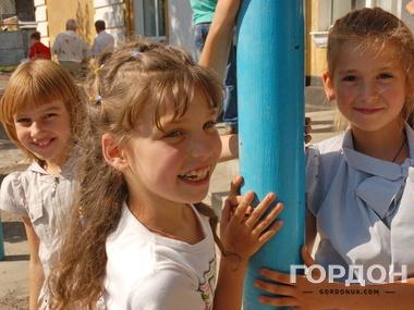 В Славянске дети пошли в школу<em> </em>