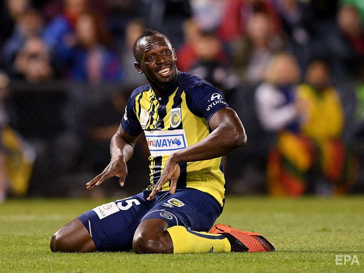 Болт забив два м'ячі у матчі професійних футбольних команд в Австралії. Відео