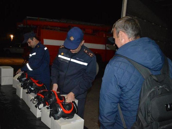 Германия передала украинским спасателям оборудование стоимостью €200 тыс. для ликвидации пожаров на арсенале в Ичне