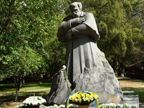 У Вірменії відкрили перший пам'ятник Тарасові Шевченку