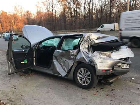 Машину Лещенко ударили сзади
