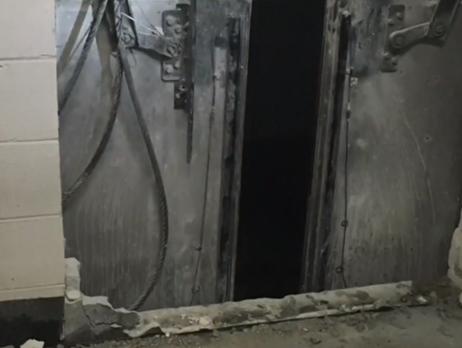 Лифт спассажирами сорвался с95 этажа
