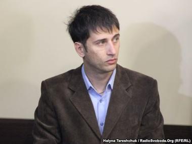 Львовянин добился выдачи паспорта без страницы на русском
