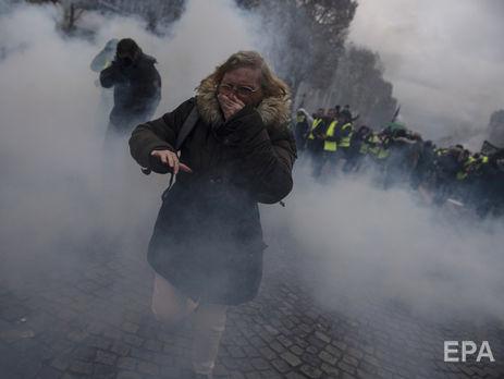 Русские корреспонденты получили травмы наакции протеста встолице франции