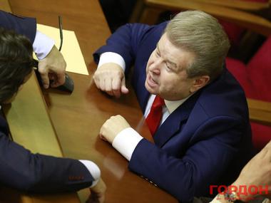 Официально. Поплавский не голосовал за диктаторские законы