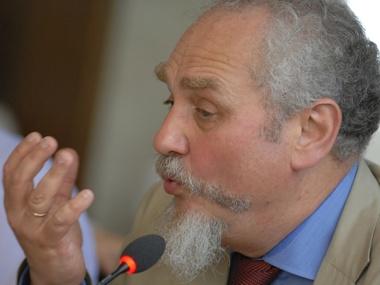Андрей Зубов считает, что перед лицом возможных проблем внутри России агрессия в Украине может ослабнуть