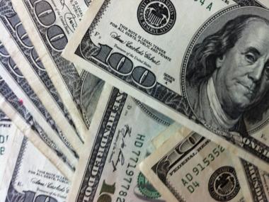 Доллар и евро в обменниках продолжают расти