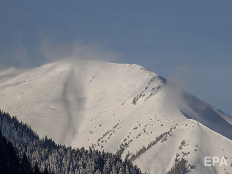 Снежная лавина похоронила вАвстрии 3-х  лыжников изГермании