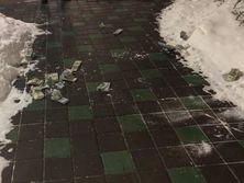 По данным Генпрокуратуры, фигуранты дела выбросили деньги в окно 9a808391e92
