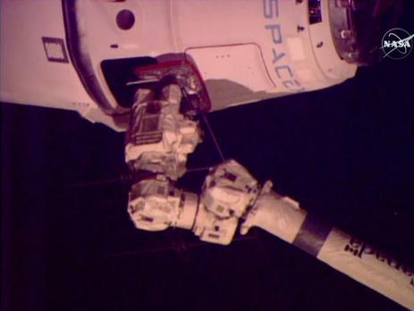 космический грузовой корабль dragon компании spacex #7