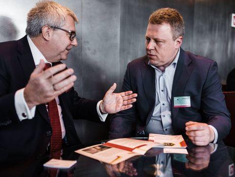 Олег Кищук (справа): Мы просим депутатов Европарламента поехать на выборы в Украину в качестве международных наблюдателей, чтобы не допустить массовой скупки голосов