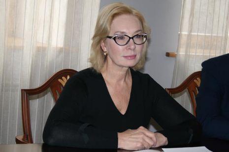 Денисова рассказала, что раненому военнопленному моряку Василию Сороке срочно нужна операция на руке