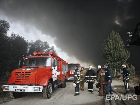Нанефтебазе под Киевом продолжают гореть пять цистерн