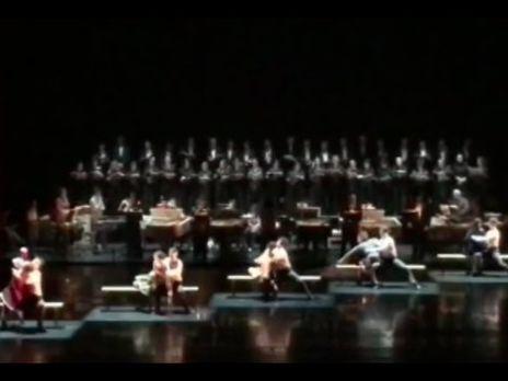 Мужской хор театра Станиславского упал насцене