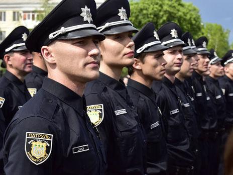ВУкраинском государстве начали действовать штрафы занезаконное использование символики Нацполиции