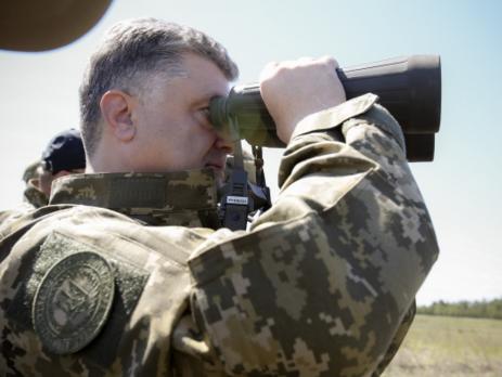 Порошенко поддерживает создание контрактной армии