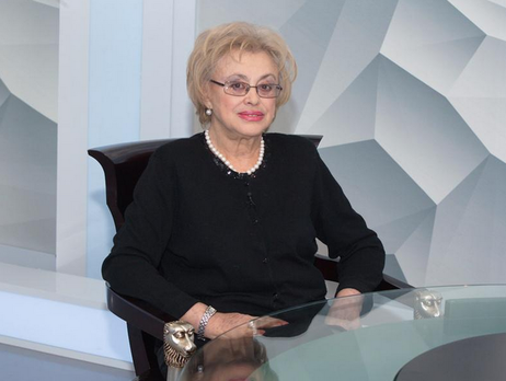 Мира Тодоровская: Остался еще один сценарий Петра Ефимовича. Я хочу снять по нему фильм в Украине, под Херсоном. Не знаю, можно ли туда поехать…